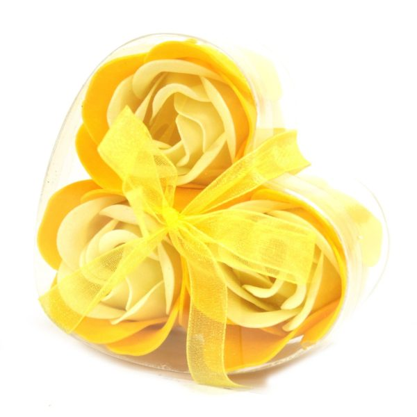 1x Set of 3 Soap Flower Heart Box - Spring Roses